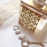 Accessoires en blanc et or
