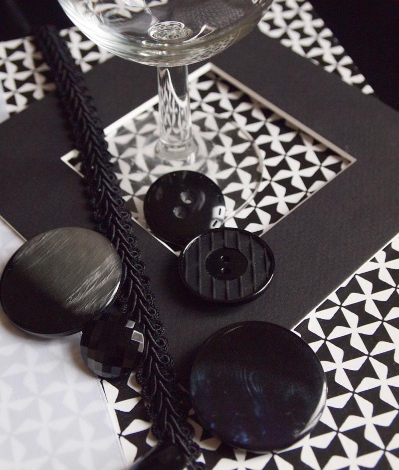 rubans-et-boutons-noirs