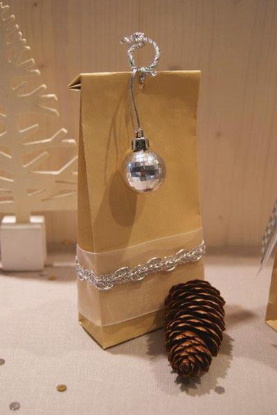 rubans-or-et-argent-pour-un-Noel-frou-frou