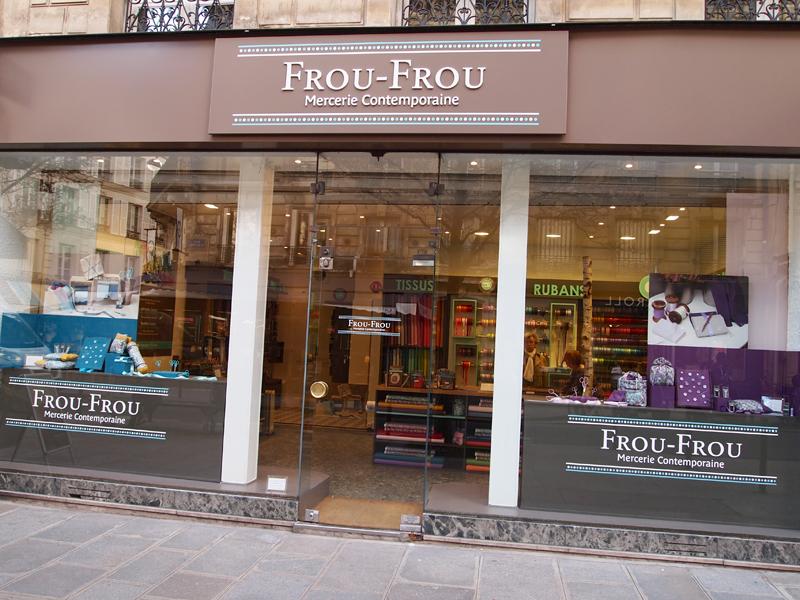 vitrine-de-la-nouvelle-boutique-Frou-Frou
