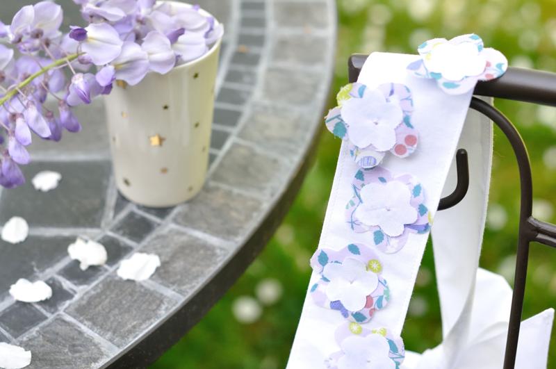 ceinture-petite-fille-avec-fleurs-en-tissu-Frou-Frou-DIY-de-Fikou-Mikou