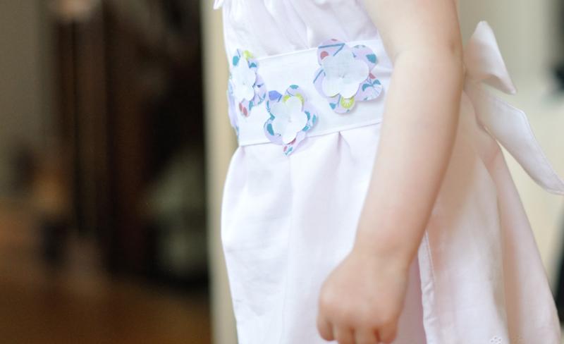 petite-robe-blanche-DIY-Frou-Frou-par-Fikou-Mikou