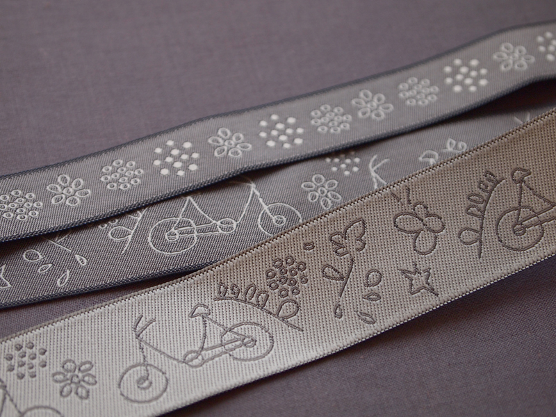 ruban-Frou-Frou-A-Bicyclette-taupe-1