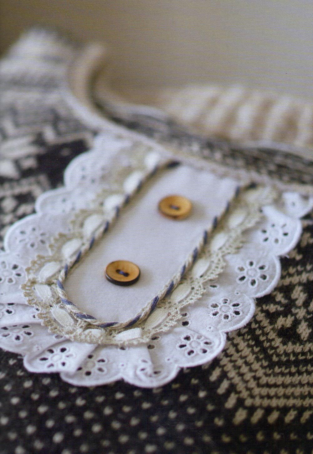 Customisation-couture-livre-Frou-Frou-aux-editions-Marie-Claire-de-Lise-Meunier-5