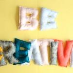 DIY les mots en tissu rembourré
