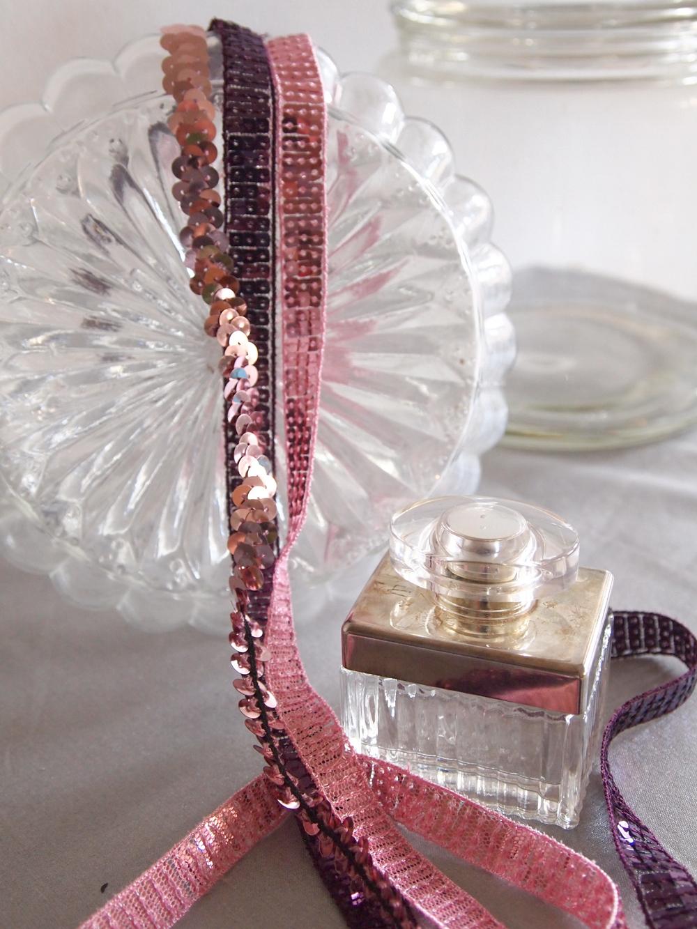 nouveaux rubans brillants ambre et cuivre le blog couture frou frou mercerie contemporaine. Black Bedroom Furniture Sets. Home Design Ideas