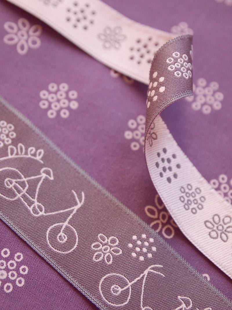 ruban-Frou-Frou-A-Bicyclette-prune-delicate