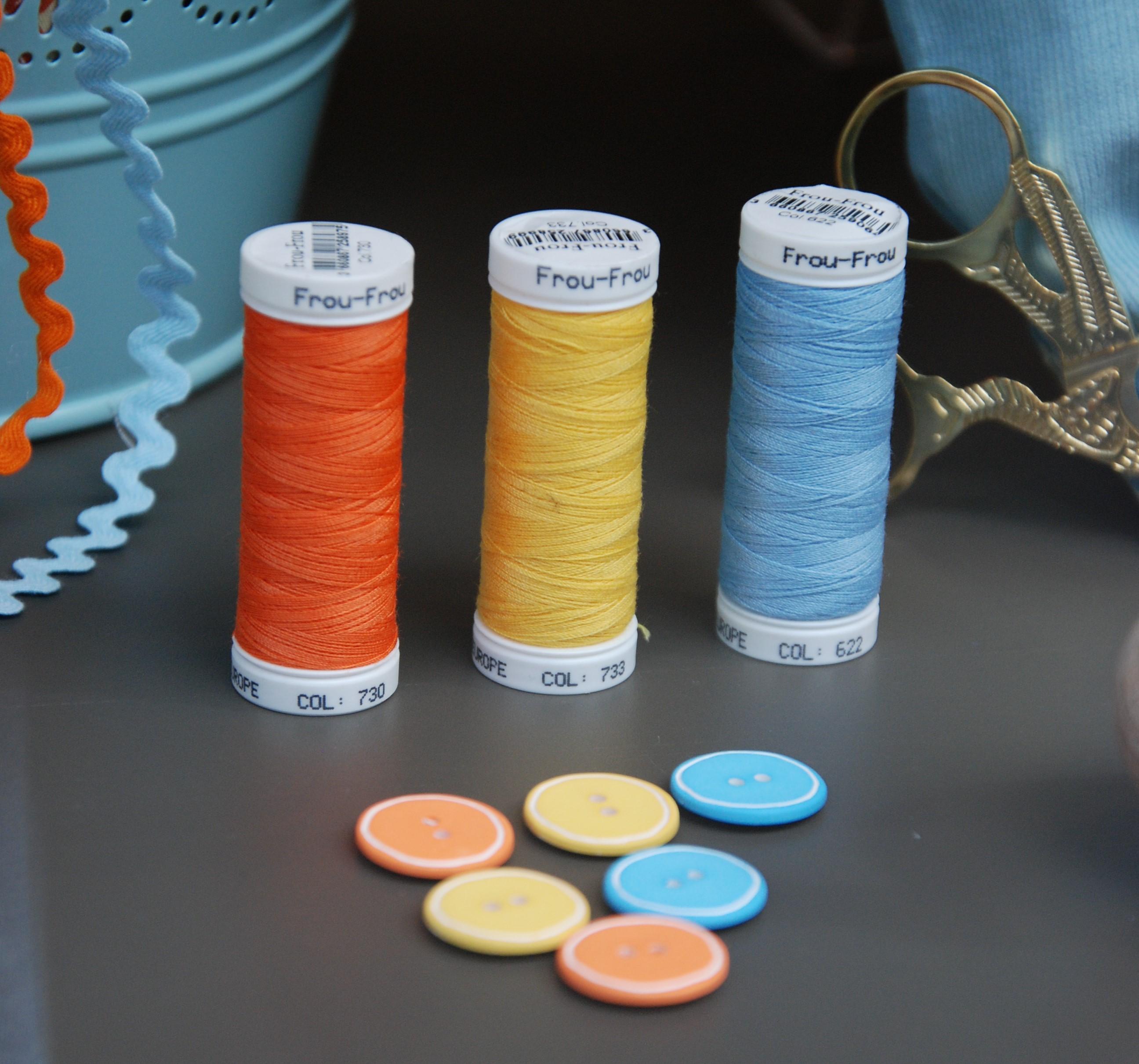 des nouveaut s couture en vitrine le blog couture frou frou mercerie contemporaine paris. Black Bedroom Furniture Sets. Home Design Ideas