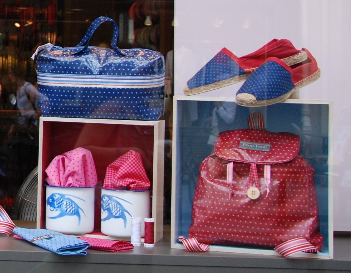 vitrine couture boutique Frou-Frou